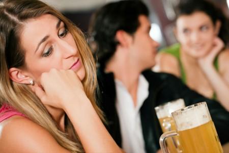 Le donne si innamorano di chi non le ricambia, lo decreta uno studio USA. Sai che novità…