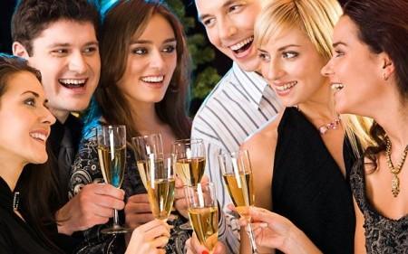 In forma durante le Feste? Sì, con la dieta dello champagne, bollicine e tanto pesce