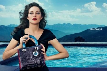 Marion Cotillard, testimonial di Christian Dior, presenta a Los Angeles la borsa Lady Dior