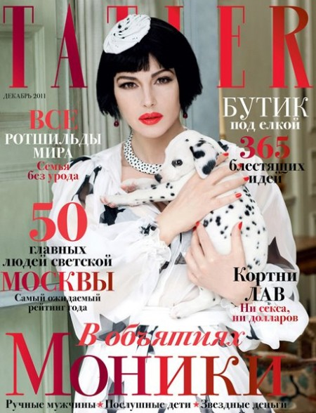 Un'inedita Monica Bellucci posa per Tatler Russia in versione Crudelia De Mon