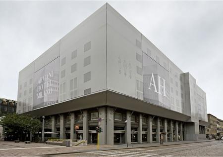 Giorgio Armani inaugura il suo nuovo hotel a Milano, un atto d'amore per la città