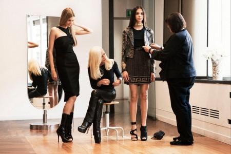 La collezione Versace per H&M sta per arrivare nei negozi, ecco dove acquistarla!