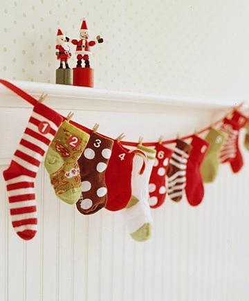 Calendario dell'Avvento express con i calzini colorati