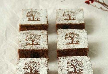 Dolci Natale 2011: brownies al cioccolato con le nocciole