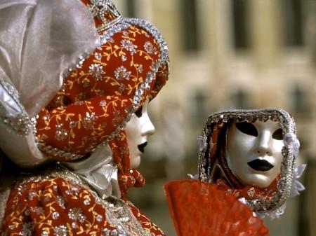 Carnevale 2012 a Venezia: in laguna tutto diventa teatro in maschera…