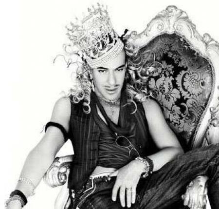 John Galliano per Zara, lo stilista disegnerà due collezioni per il brand spagnolo?