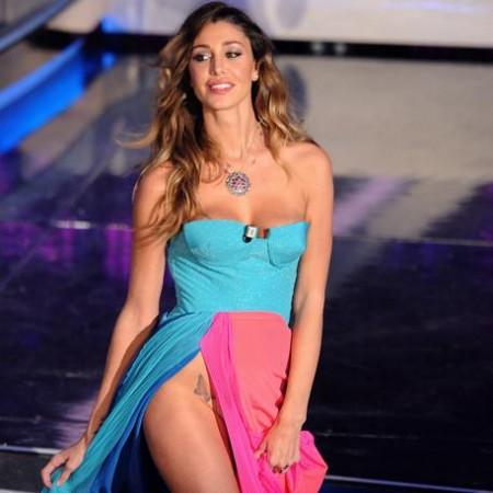 """Belen a Sanremo 2012 parla del suo spacco sensuale e ammette: """"E' vero, ho voluto esagerare"""""""
