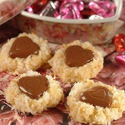 Biscotti con cocco e cioccolato da regalare per San Valentino