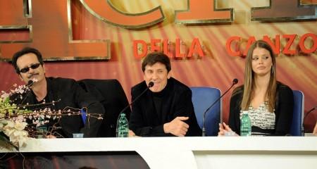 Festival di Sanremo 2012: la scaletta della terza serata e i duetti internazionali