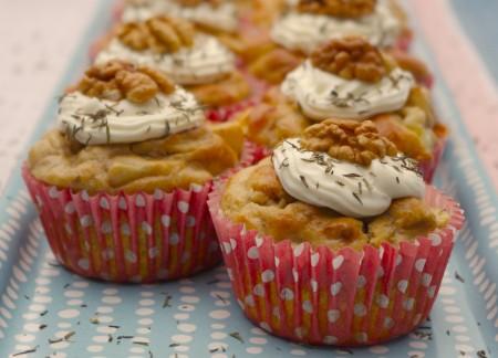 Muffin salati alle noci, ricetta perfetta per cene e aperitivi