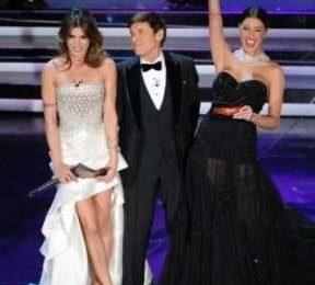 Abiti di Sanremo 2012: chi vince la gara di stile?