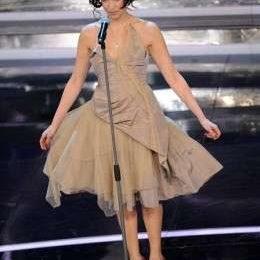 Sanremo 2012, abiti e look delle cantanti in gara nella prima serata