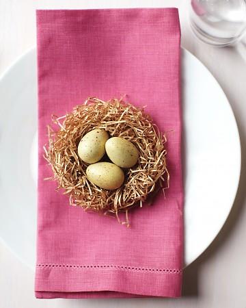 Idee tavola Pasqua fermaposto nido
