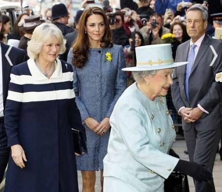 Kate Middleton, shopping di famiglia ai Grandi Magazzini