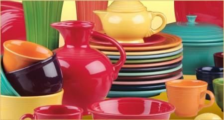 Per dimagrire si deve mangiare con piatti e bicchieri rossi