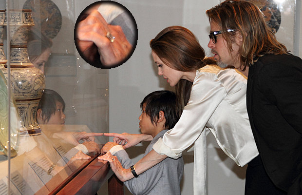 Angelina Jolie anello fidanzamento