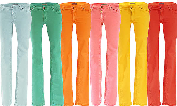 Jeans colorati look Pasqua