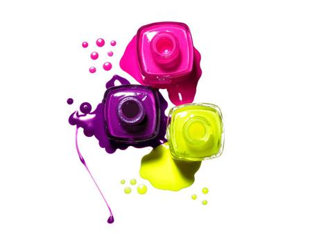 mettere lo smalto i colori