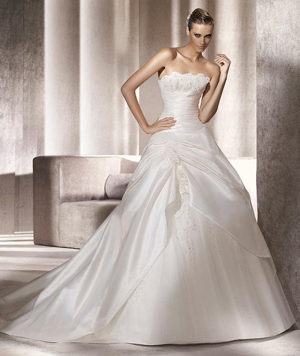 d25c39ff3981 I modelli più belli degli abiti da sposa Pronovias