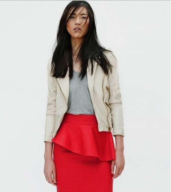 Zara presenta il coloratissimo lookbook del mese di aprile [FOTO]