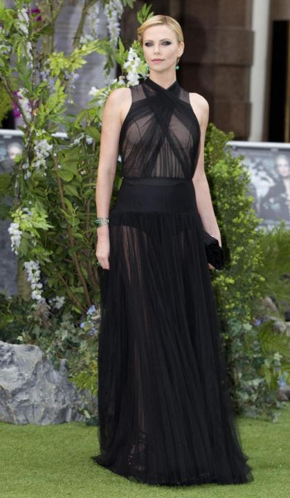 Charlize Theron matrigna