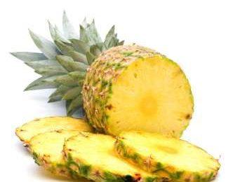 Ananas, la dieta per sgonfiarsi e i benefici sulla salute [FOTO]