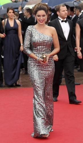 kelly brook sul red carpet di you havent seen nothing yet al festival di cannes 2012