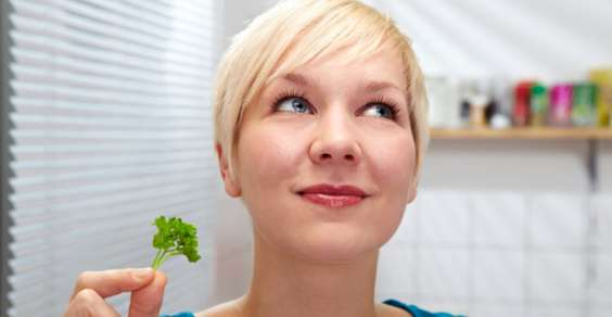 Rimedi naturali per eliminare i cattivi odori in cucina