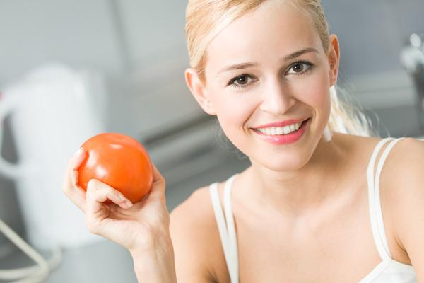 Pelle bellissima grazie al pomodoro, alleato di salute e giovinezza