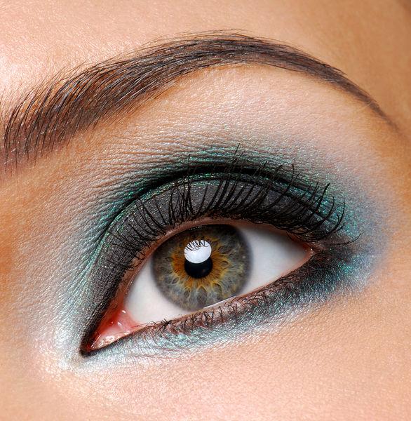 Trucco occhi azzurri, come valorizzarli con il giusto make up
