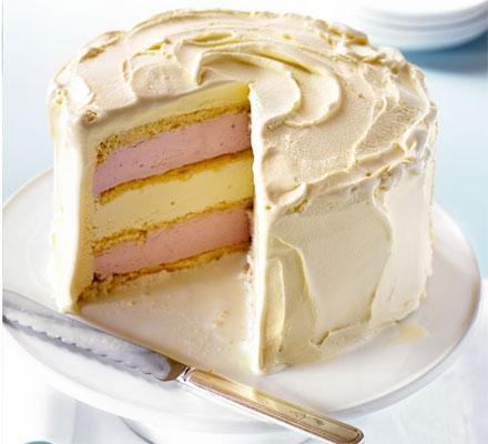 torta gelato con il pan di spagna