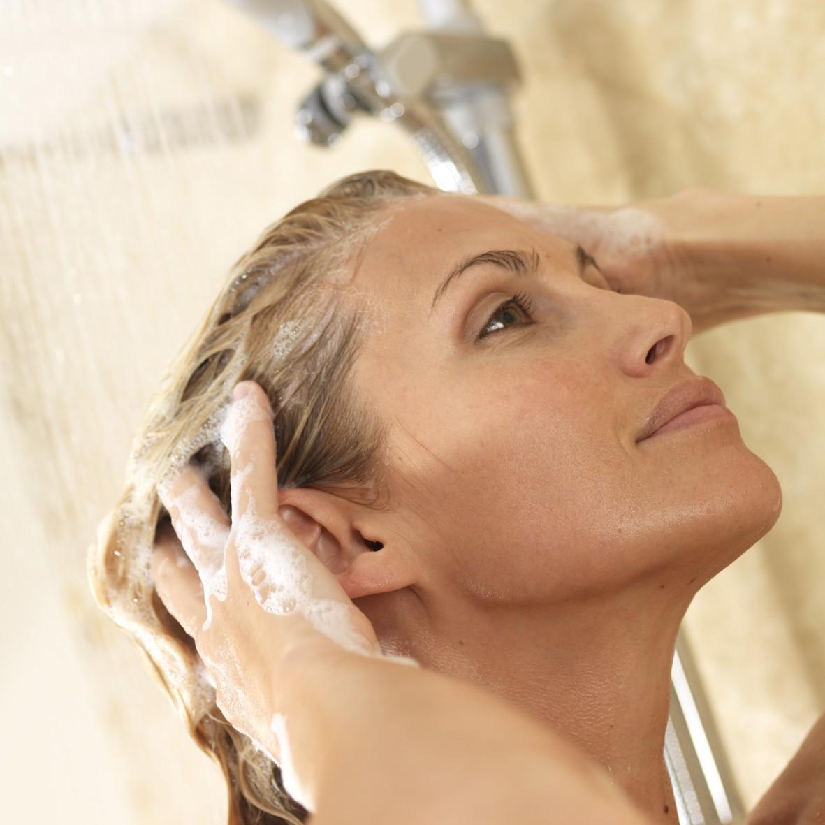 Capelli bellissimi con lo shampoo giusto, i consigli