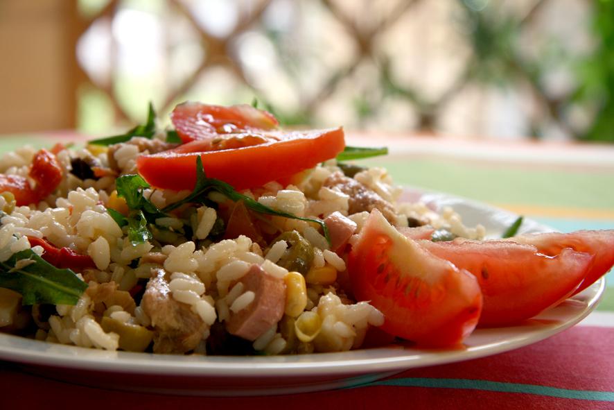 Insalata di riso estiva, tre freschissime ricette