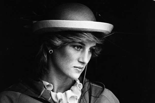 Lady D: biografia di una donna che ha fatto la storia [FOTO]