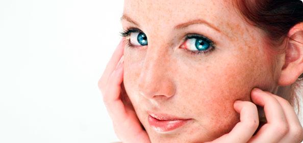 Pelle che si arrossa: rimedi naturali e trucco giusto