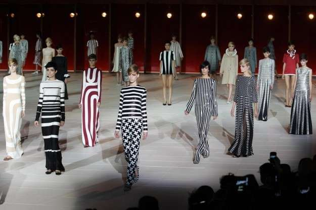 Sfilata Marc Jacobs Primavera/Estate 2013 [FOTO]
