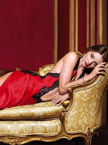 Victoria's Secret  Natale 2012, Miranda Kerr testimonial della collezione [FOTO]