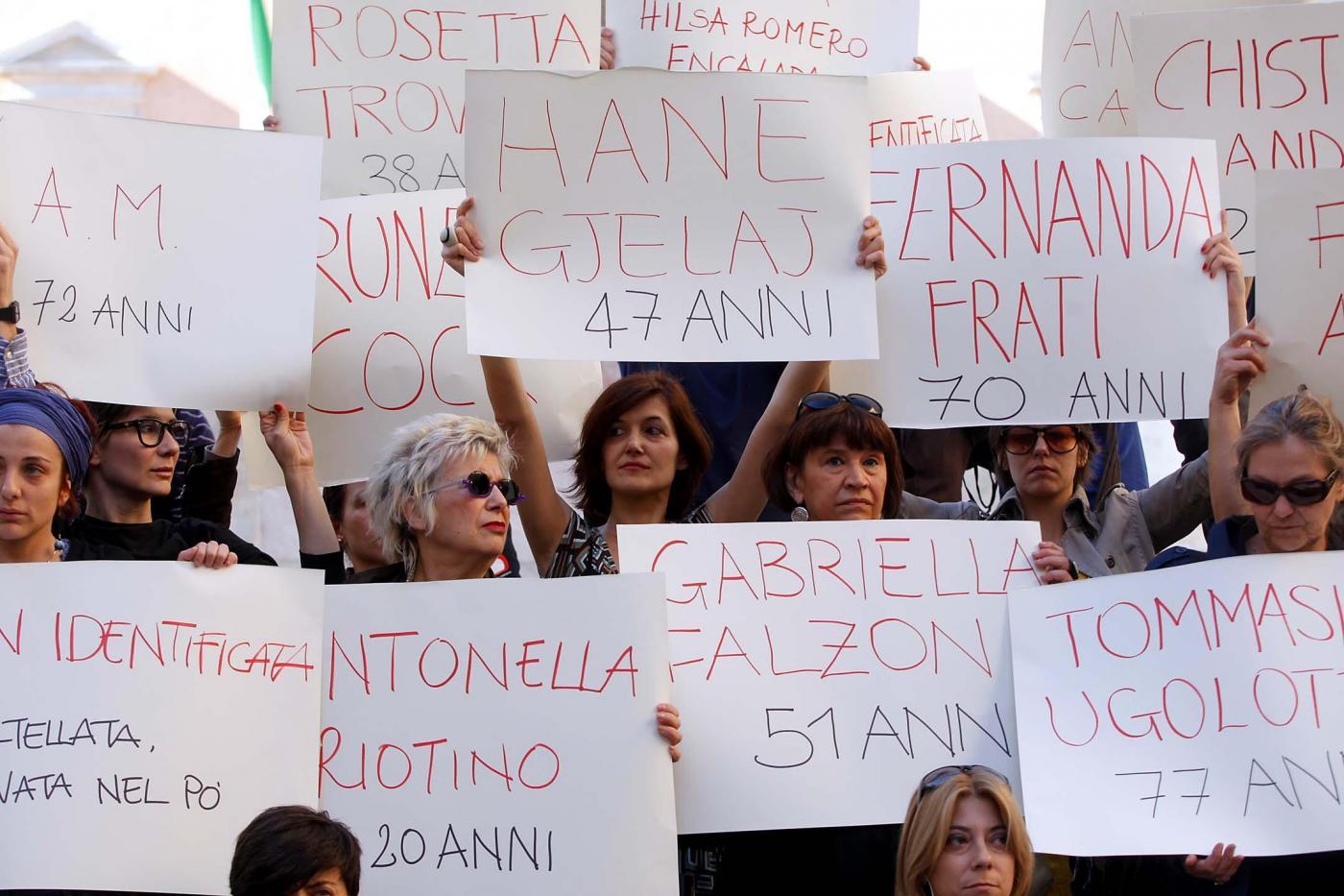 P.zza Montecitorio Flash mob contro la violenza sulle donne