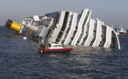 Costa Concordia alla ribalta: iniziata l'operazione di recupero
