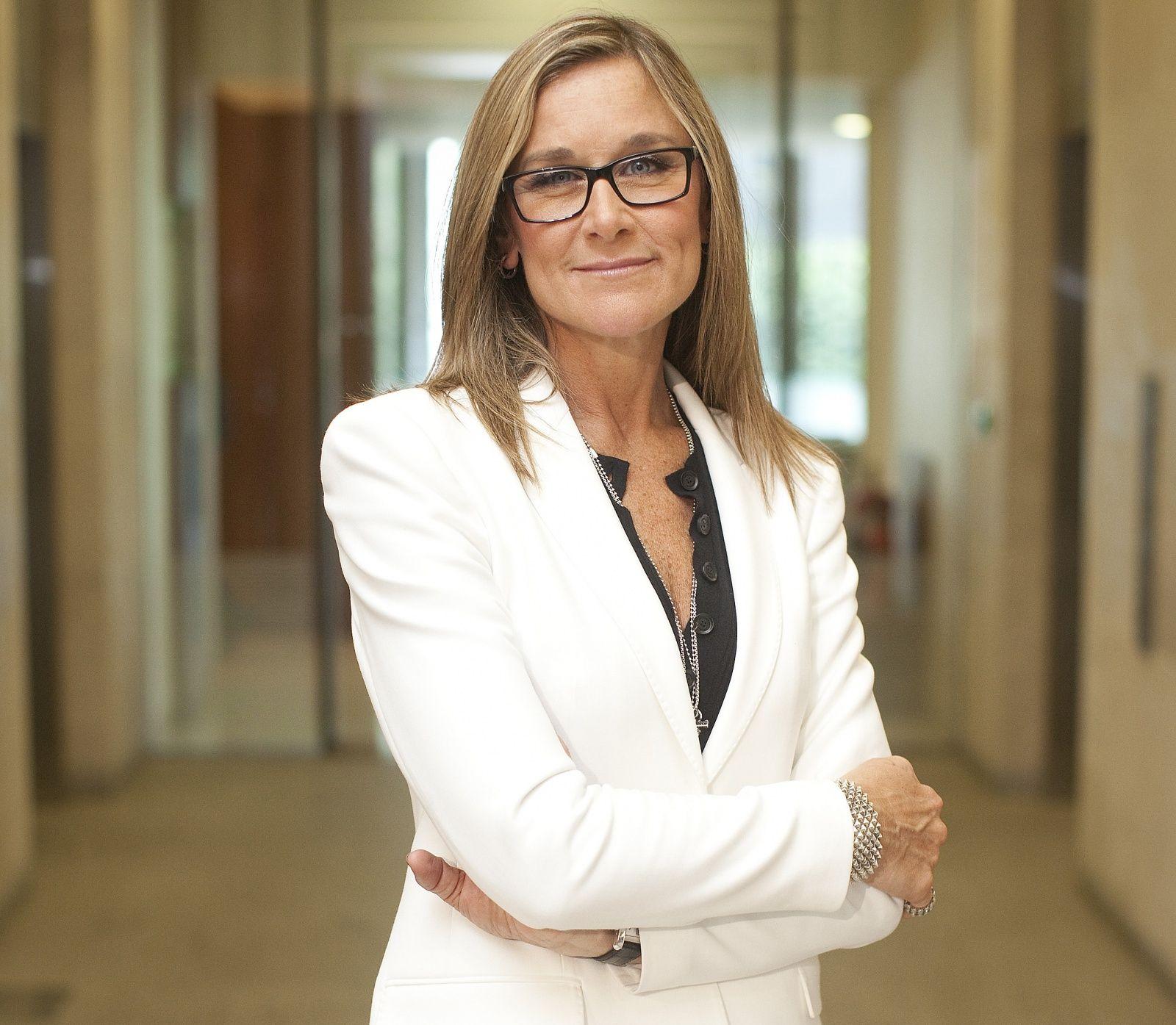 Angela Ahrendts lascia Burberry e va alla guida dei negozi Apple