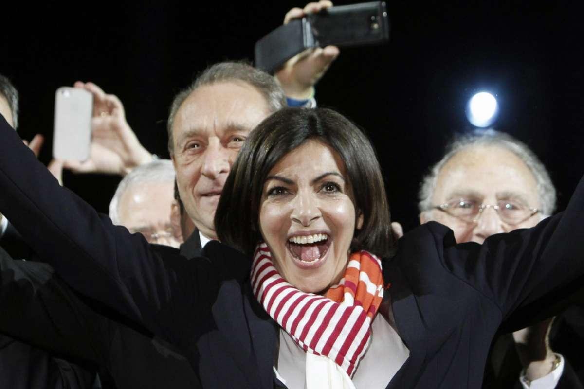 Anne Hidalgo, il nuovo Sindaco di Parigi è donna [FOTO]
