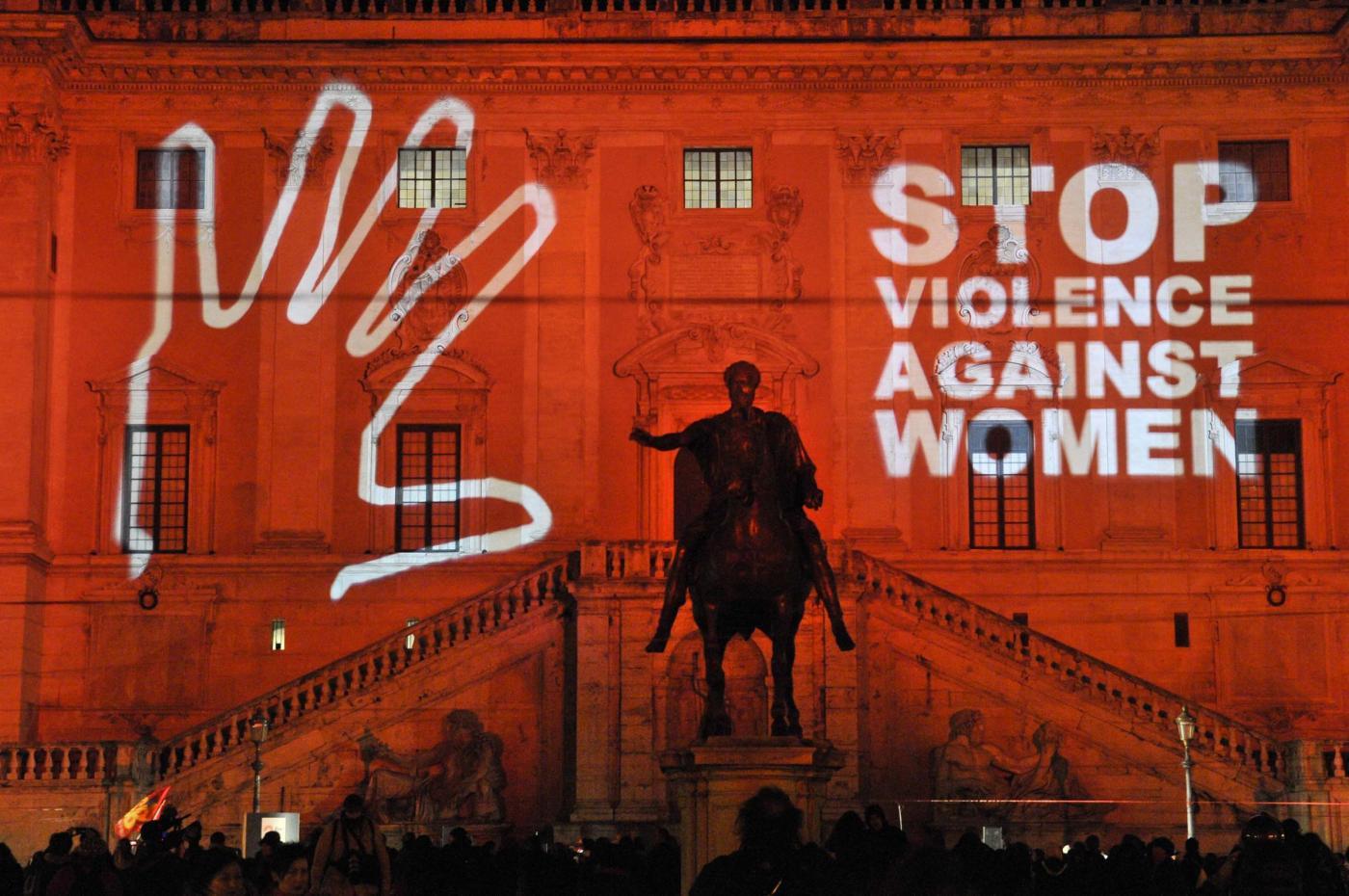 Femminicidio in Italia: dati, identikit degli aggressori e controversie
