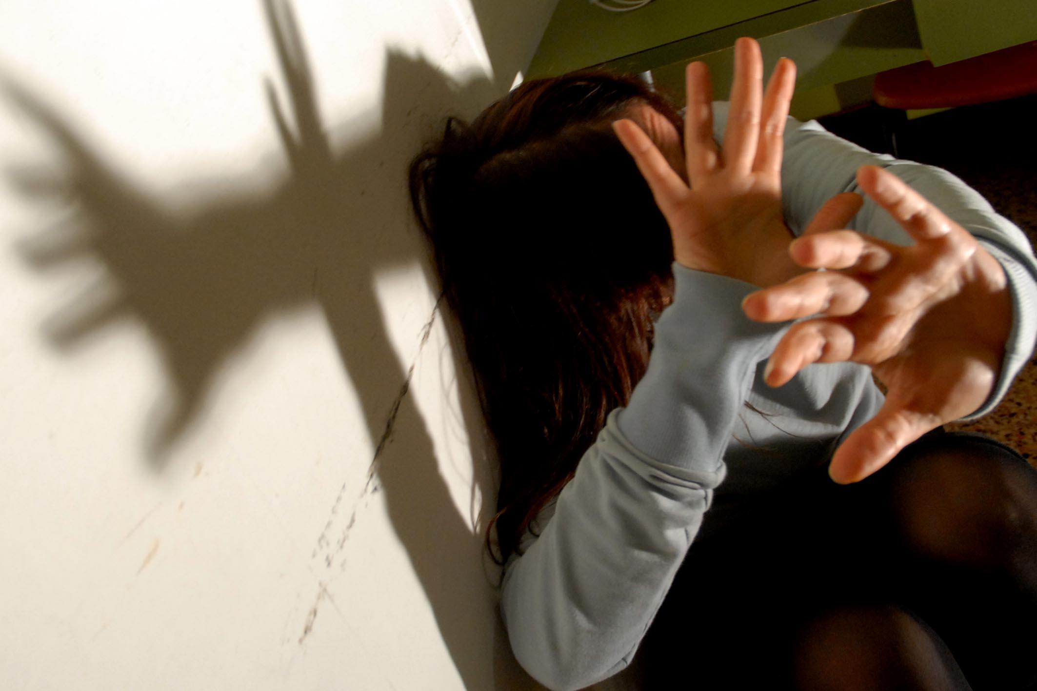 Milano: strangolata dal fidanzato in casa