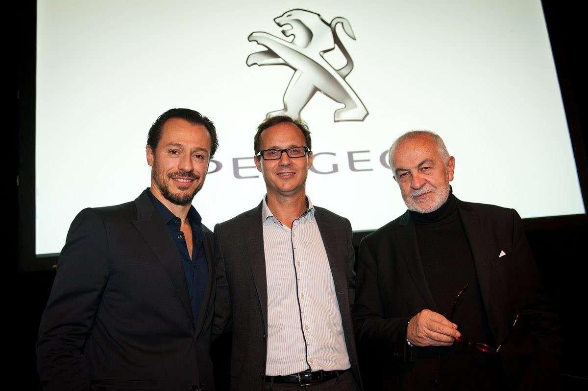 Stefano Accorsi regista per Peugeot: 3 corti sui viaggi [FOTO]