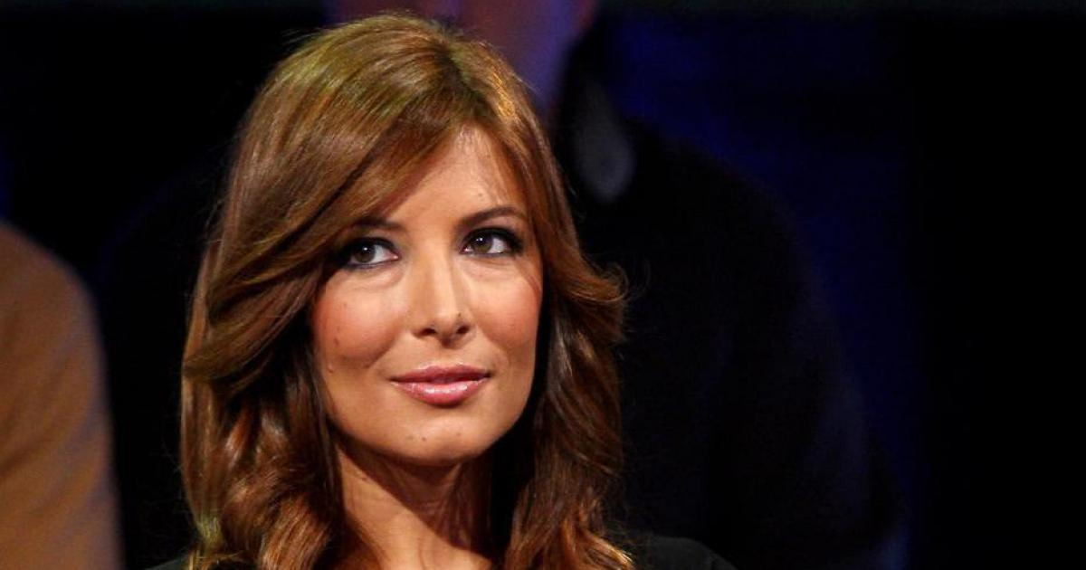 Leghista insulta su Facebook Selvaggia Lucarelli, lei lo umilia in radio