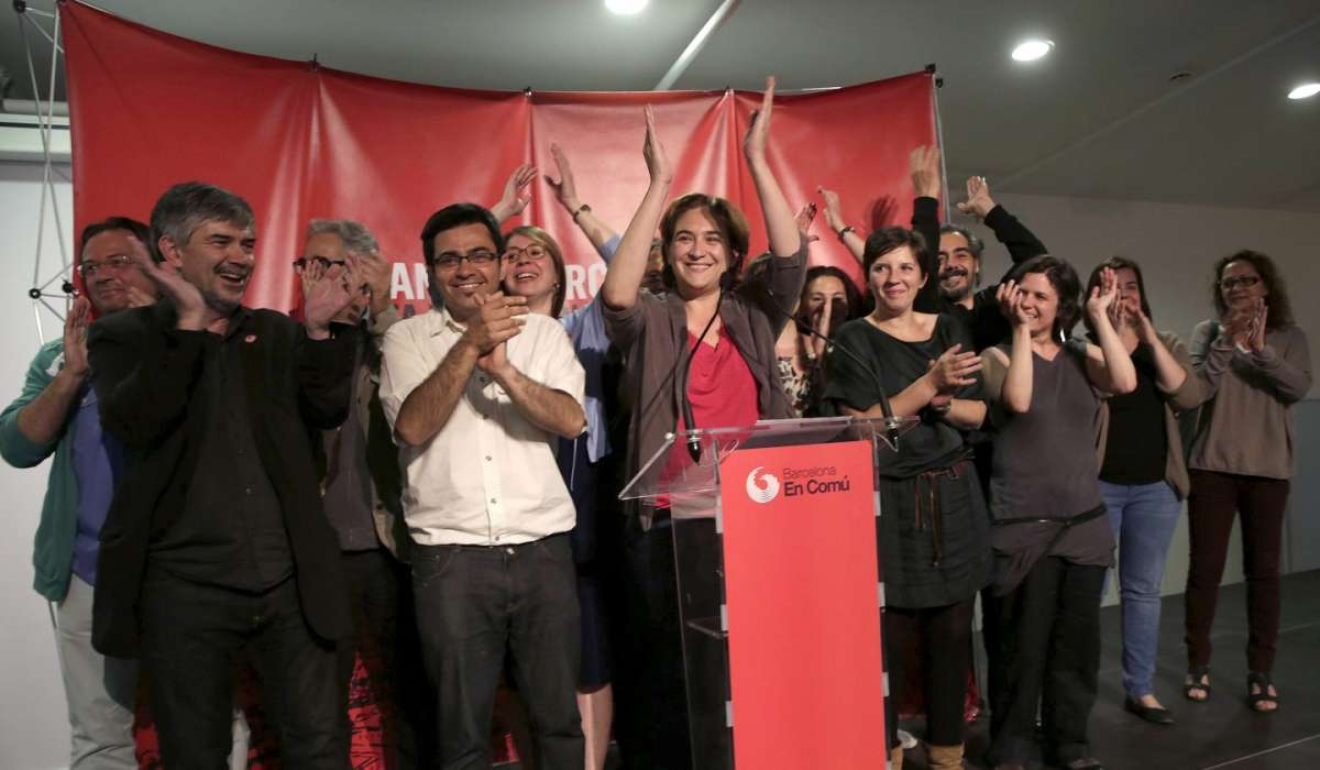 Chi è Ada Colau, la nuova sindaca di Barcellona [FOTO]