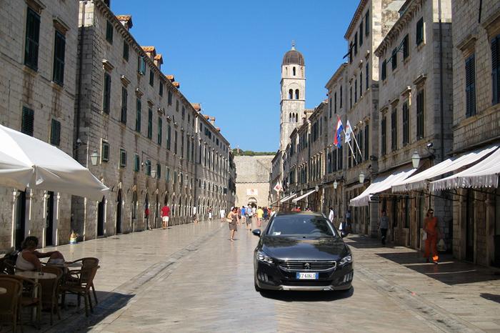 Viaggio con la famiglia in Croazia a bordo della Peugeot 508 RXH