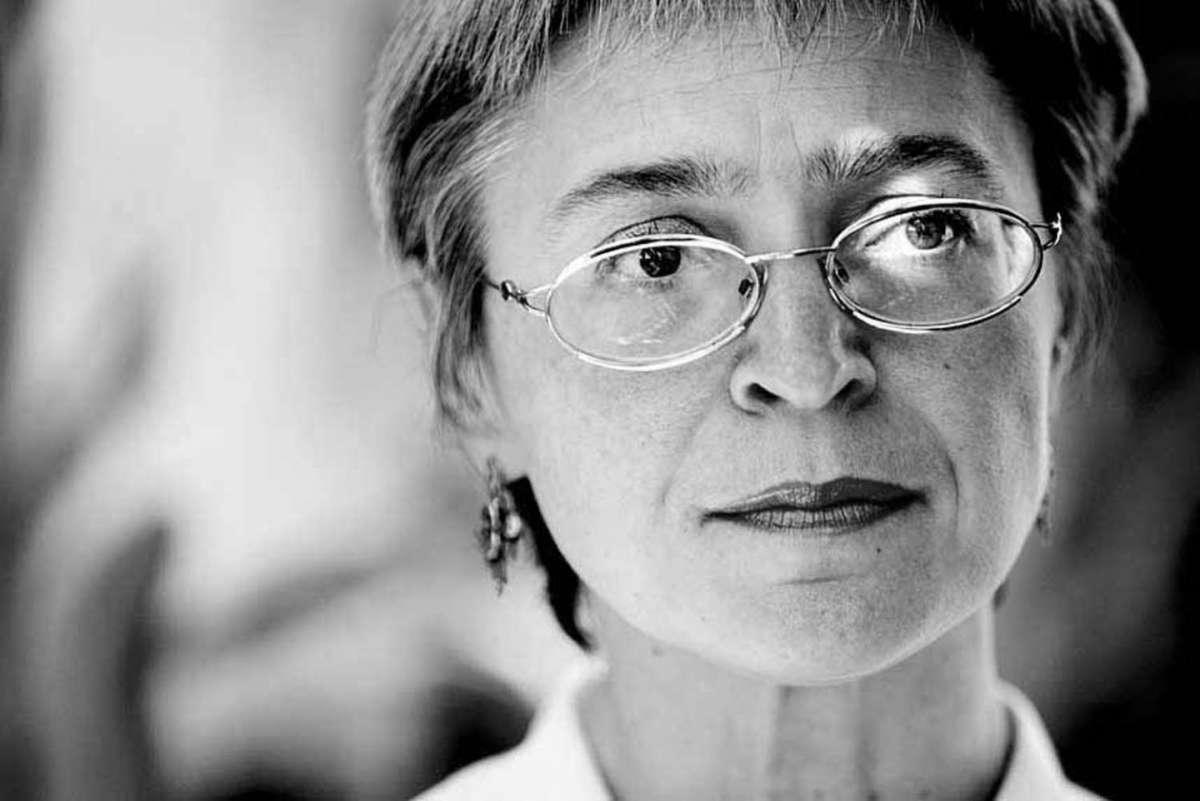 Anna Politkovskaja, biografia di una giornalista coraggiosa [FOTO]