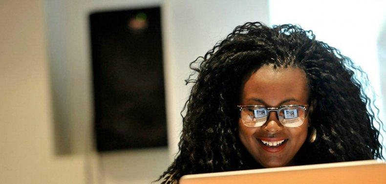 Jepchumba è un'artista digitale keniota che ha creato Aviro Health