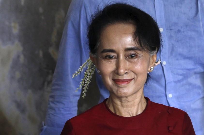 Le 10 notizie sulle donne dell'anno 2015 Aung San Suu Kyi trionfa alle elezioni in Birmania